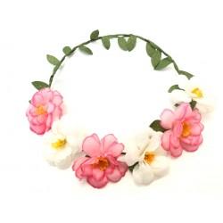 Coroncina di fiori bianchi...